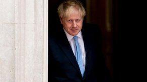 Johnson planea reformar el sistema de visados para atraer a más científicos