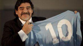 Maradona se postula como técnico de Boca cuando pase Biachidependencia