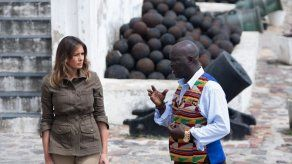 Melania Trump visita un exfuerte esclavista en Ghana