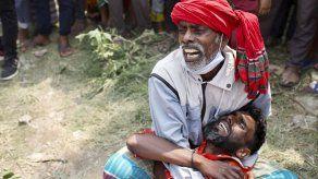 Al menos 25 muertos en un naufragio en Bangladesh