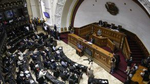 El Parlamento de Venezuela autoriza a Guaidó decretar alarma por apagón