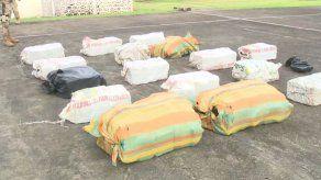 Incautan 488 paquetes de cocaína en lancha en Punta Coco