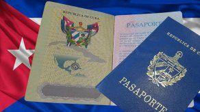 Suspenden temporalmente la emisión de tarjetas de turismo a ciudadanos cubanos