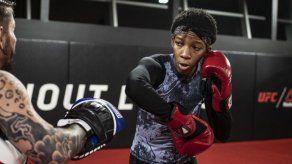 Joselyne Edwards cae por decisión unánime en la UFC