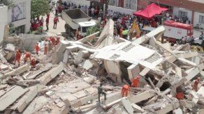 Confirman 2 muertos y 9 desaparecidos en el derrumbe de un edificio en Brasil