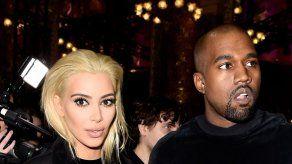 Kim Kardashian sorprende con su nueva cabellera rubia