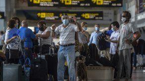 Estos pasajeros fueron detectados al realizarles la prueba en el Aeropuerto de Tocumen.