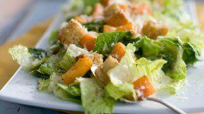 Piden en EEUU y Canadá no comer lechuga por brote de E. coli