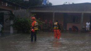 Evalúan daños en viviendas afectadas por inundaciones en Herrera y Coclé