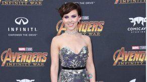 Scarlett Johansson relata el calvario de una de sus alfombras rojas más accidentadas