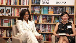 Michelle Obama triunfa también en la venta de libros