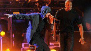 Cierra Coachella con homenaje a rapero Tupac Shakur