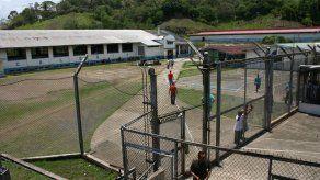 Ordenan conducción de 5 funcionarios del Sistema Penitenciario