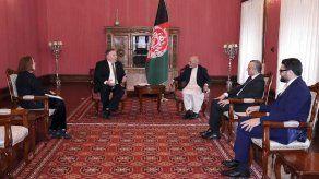 EEUU reprocha su obstinación a líderes afganos rivales