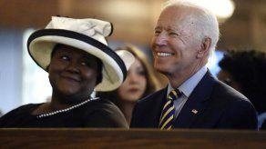 Biden dice que escogió Carolina del Sur para disculparse