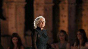 Fendi homenajea a Lagerfeld con un desfile en el corazón de Roma
