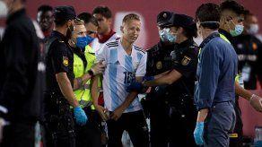 La Liga anuncia acciones penales contra el espontáneo del Mallorca-Barça