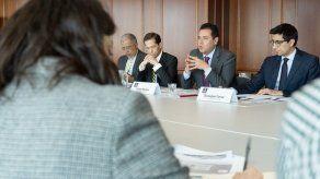 Colombia pide ayuda a la UE a largo plazo ante reto migratorio venezolano