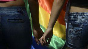 Miles de personas reclaman en Caracas por el matrimonio igualitario