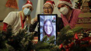 Nietos de Santa reparten alegría en residencias italianas