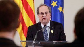 Fiscalía se querella contra el presidente catalán por el conflicto de los símbolos independentistas