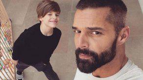 Ricky Martin graba con su móvil su nuevo vídeo musical