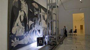 Robot analiza estado del Guernica en su 75to aniversario