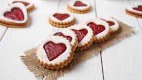 Hornea unas deliciosas galletas con mermelada para San Valentín