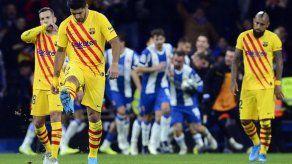 El Barcelona empata derbi con el Espanyol pero mantiene el liderato
