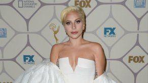 Lady Gaga regaló su vómito al creador de American Horror Story