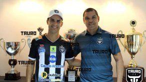 Tauro se refuerza con llegada del delantero argentino José Tamburelli