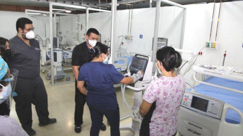 Personal de salud es capacitado para reforzar atención de UCI a pacientes COVID-19 en el Inmfre