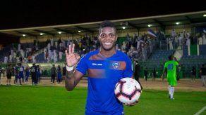 José Fajardo marca triplete y le da primer triunfo al Al Kawkab FC