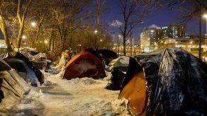 EEUU: Alojan a indigentes en hotel durante tormenta invernal