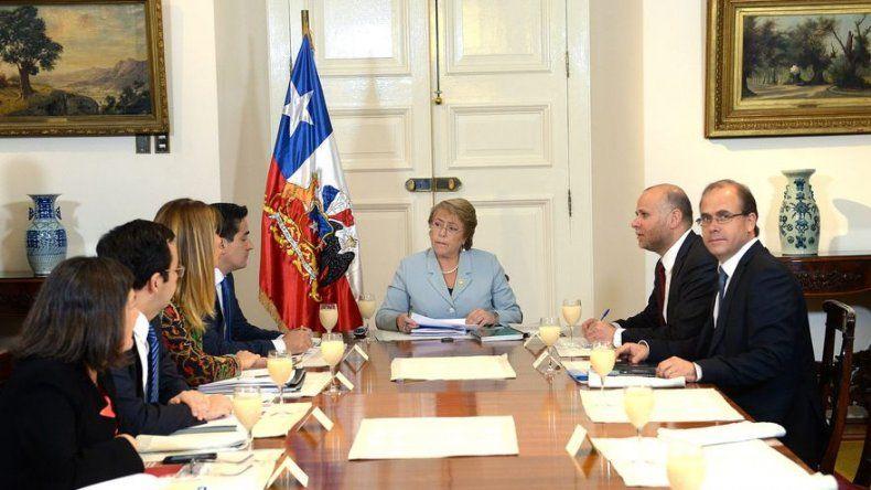 Chile expresa preocupación por tensión y llama al diálogo a Colombia y Venezuela