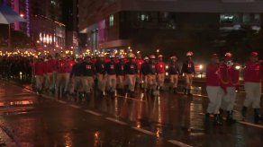 Desfile de antorchas recorre la Avenida Balboa en antesala al 3 de noviembre