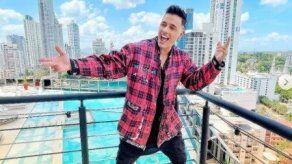 Joey Montana invita a sus fans a hacer duetos con su tema Se Siente Bien