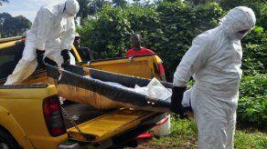 MSF hará 3 ensayos clínicos de ébola en África