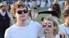 Emma Roberts y Evan Peters vuelven a separarse