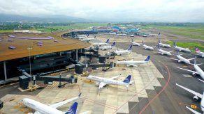 Panamá prorroga por 30 días suspensión de vuelos internacionales