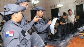 Ministra de Gobierno impulsa ajustes de salarios y formación académica para custodios