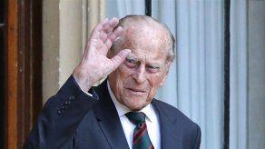 El duque de Edimburgo ha recibido el alta tras pasar cuatro semanas en el hospital