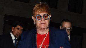 Elton John recuerda a Michael Jackson como una persona perturbadora y gravemente enferma