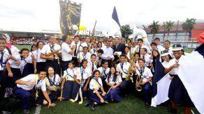 Banda de música del Fermín Naudeau gana concurso Decumupa