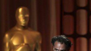 Un emocionado Iñárritu recibe el Óscar especial por Carne y arena