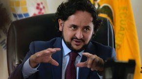 Ecuador: allanan vivienda de ministro acusado de corrupción