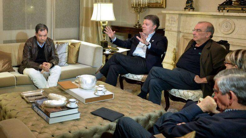 Santos confirma que negociadores vuelven a Cuba