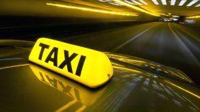 Arrestan a hombre por no pagar taxi que lo recogió en cárcel