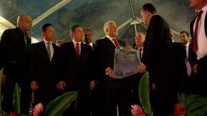 Expresidente Pérez Balladares recibe las Llaves de la Ciudad de Panamá