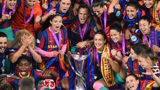 El Barcelona aplasta al Chelsea y gana su primera Champions femenina